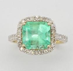 14KT Yellow Gold Emerald & Diamond Ring