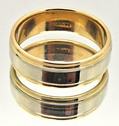 MEN'S 14 KT YELLOW AND WHITE GOLD WEDDING BAND.