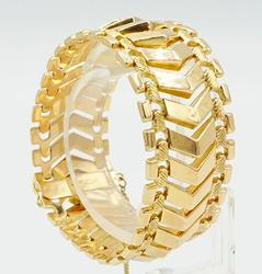 WIDE 18KT YELLOW GOLD CHEVRON STYLE BRACELET