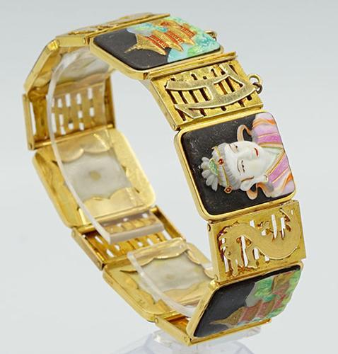 18kt Yellow Gold Japanese Motif Link Bracelet