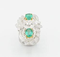 GORGEOUS EMERALD & DIAMOND RING