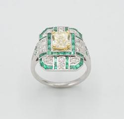 GIA CERTIFIED FANCY LIGHT YELLOW DIAMOND RING