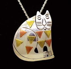Tri-Color Cat Pendant/Pin on 23.5in Chain