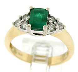 Flashy Emerald and Diamond Ring
