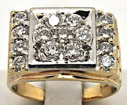 MEN'S 14 KT YELLOW GOLD DIAMOND RING.