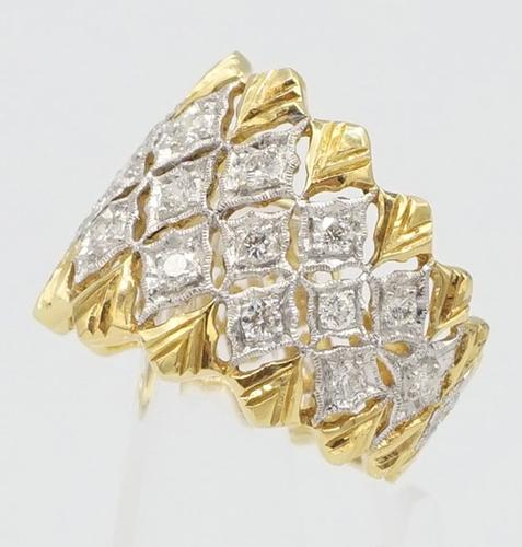 Timeless 18kt Yellow Gold and Diamond Band