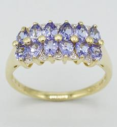 14kt Gold Tanzanite & Diamond Ring