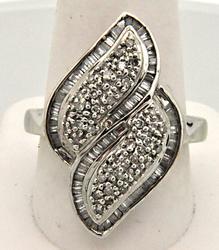 LADIES 14KT WHITE GOLD RING. 1.00 CARAT TOTAL WEIGHT DIAMONDS