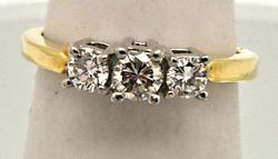 LADIES 14 KT YELLOW DIAMOND RING