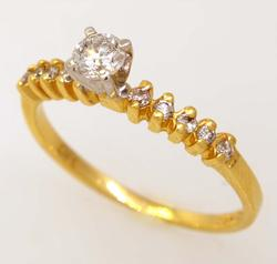 Sparkling Diamond Engagement Ring in Gold, Size 6