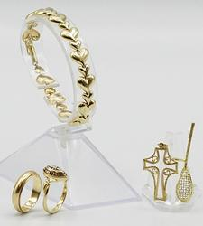 Group Lot 14kt Yellow Gold Rings, Pendants, and Bracelet