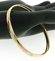 Nice Hinged 14kt Gold Textured Bangle Bracelet