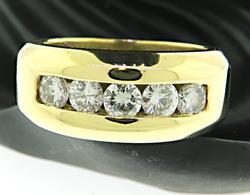 18kt Five Round Brilliant Cut Diamond Ring