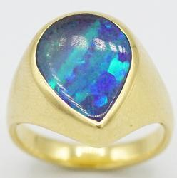 18KT Yellow Gold Opal Ring