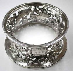 English Figural Sterling 1899 Dish Ring