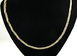 Flat Twisted Hearringbone Chain Necklace