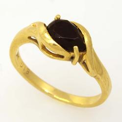 Black Onyx Ring in Gold, Size 5.25