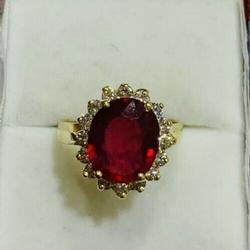 Showstopping 18kt Gold Ruby & Diamond Ring