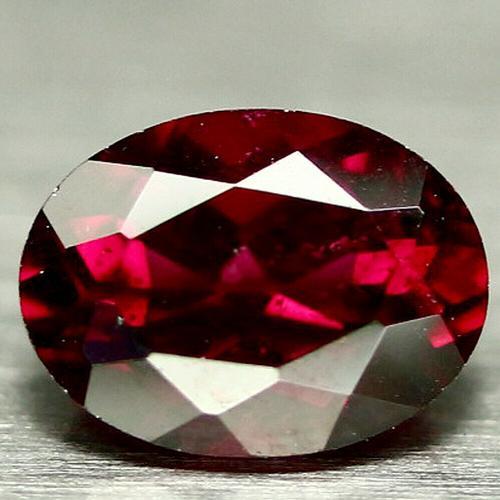 Outstanding 1.82ct violet red Rhodolite Garnet