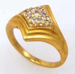 Multi-Diamond Ring in Gold, Size 5