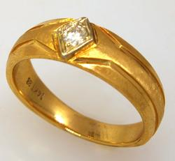 Mens Gold Band with Diamond, Size 9.25