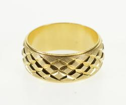 14K Yellow Gold Grooved Textured Lattice Patterned Band Ring