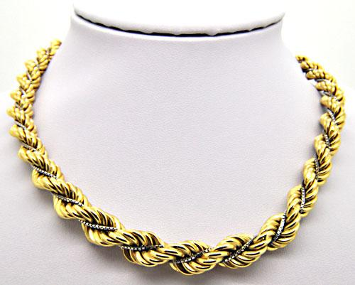 LADIES 18 KT TWO TONE GRADUATED ROPE CHAIN.
