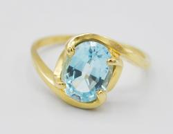 Simple 14kt Gold Blue Topaz Cocktail Ring