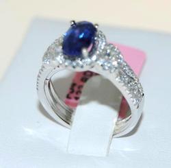 Sapphire & Diamond Ring in 18kt White Gold