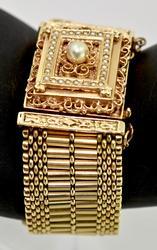 Victorian Style 14K Lidded Bracelet Watch