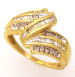 Multi-Diamond Ring in Gold, Size 6.75