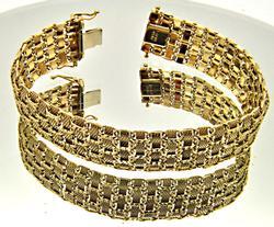 LADIES 14 KT YELLOW GOLD FLEXIBLE BRACELET.