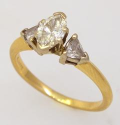 Gorgeous Diamond Ring in Gold, Size 5.25