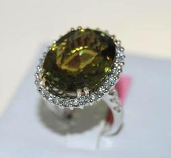 Green Tourmaline & Diamond Ring in 18kt White Gold