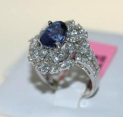 Blue Sapphire & Diamond Ring in 18kt White Gold