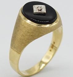 10kt Yellow Gold Men's Ring with Diamond