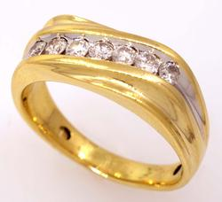 Mens Diamond Band in Gold, Size 11.75