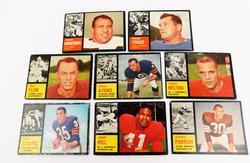 8 Topps 1962 Football Card