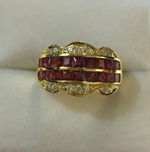 14kt Solid Yellow Gold 3.50 CT Sapphire Band