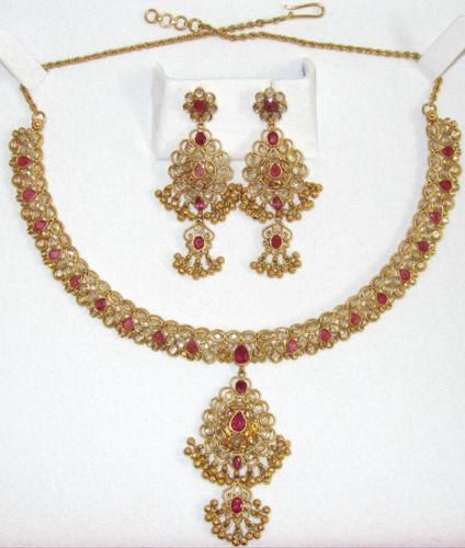 Vintage 22kt Gold Ruby & Diamond Jewelry Set!