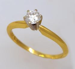 Diamond Solitaire Ring in Gold, Size 5.5