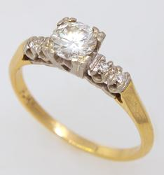 Vintage .45CT Diamond in 14kt Gold, Size 6