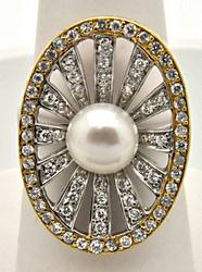 LADIES 14 KT TWO TONE PEARL AND DIAMOND RING.
