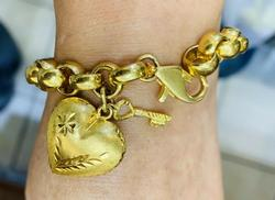 Lavish 18kt Solid Yellow Gold Puffy Link Bracelet
