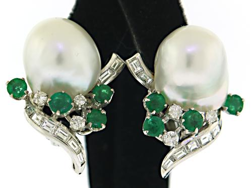 Gorgeous 18kt Emerald and Diamond Earrings