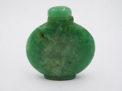 Stunning Jade gemstone Snuff Bottle