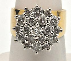 LADIES 14 KT GOLD DIAMOND CLUSTER RING.