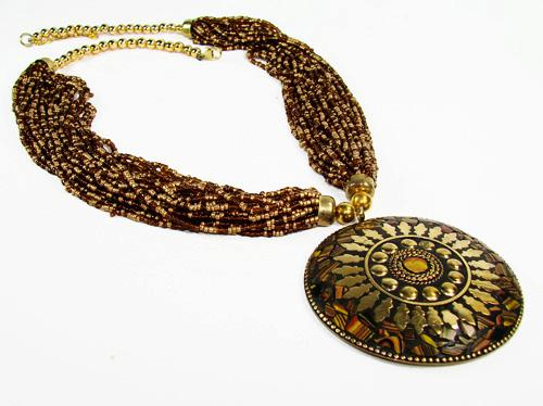 Attractive Ethnic Art, Handcrafted Beaded Necklace