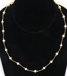 Elegant Pearl Necklace in 14k Yellow Gold