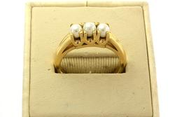 Heavy 3 Pearl Ring in 14K Gold, Size 9 1/4